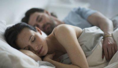 Ce spune poziția în care dormiți despre relația voastră?!