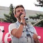 """Foto: Toată atenția la scenă! Cum a interpretat Pasha Parfeni """"Pentru Ea"""", de Ion Aldea-Teodorovici!"""