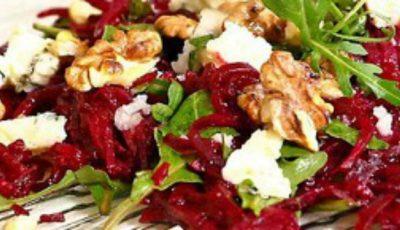 Salată de sfeclă roşie, brânză şi nuci