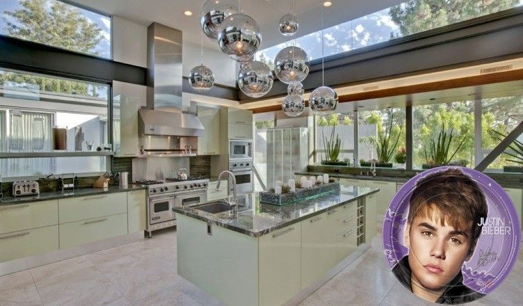 7-justin-bieber-kitchen-752x440