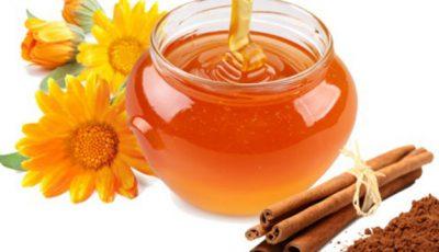 Amestecul de scorţişoară cu miere topeşte grăsimea de pe abdomen. Iată cum se prepară