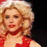 Foto: Cum să-ți faci codițe franceze și buze roșii ca ale Loredanei!