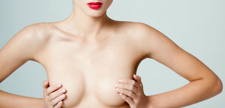 Foto: Sânii mici nu mai sunt o problemă. S-au inventat sutienele care îi măresc!