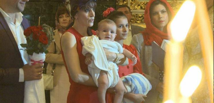 Foto: Exclusiv! Gheorghe Țopa și-a încreștinat nepotul!