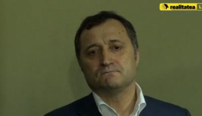 "Vlad Filat a dat-o pe dragoste: ""Angela, te iubesc"""