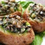 Foto: O reţetă perfectă pentru cină: cartofi copţi umpluţi cu ciuperci