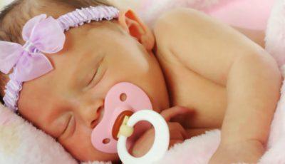 Suzeta întârzie vorbirea la bebeluşi