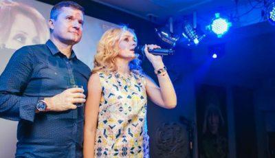 Kornelia și Marcel Ștefăneț așteaptă barza
