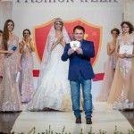 Foto: Rochii cu diamante pe podiumul Kasta Morrely Fashion Week