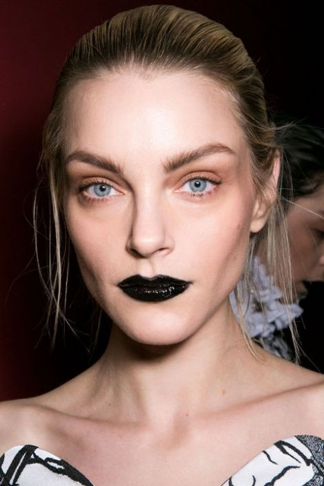 hbz-fw2015-trends-beauty-goth-lips-giles-bks-a-rf15-8324