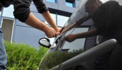 Numărul furturilor crește. Mașini sparte lângă școli și grădinițe