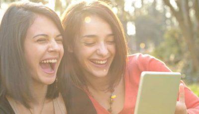 Râzi în hohote pentru a-ţi vindeca inima! Ce recomandă un cardiolog pacienţilor săi