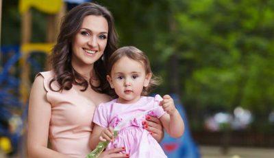 """Sorina Obreja, despre fiica Emilia: """"O învăţ să se mulţumească şi cu lucruri modeste"""""""