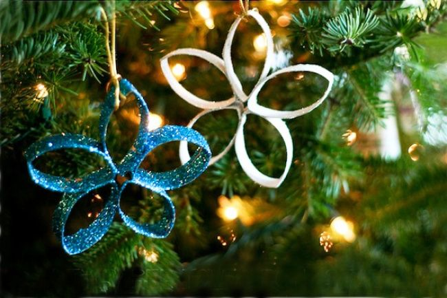 4932410-650-1449234301-diy-christmas-ornaments-for-kids20-homemade-christmas-ornaments-that-kids-can-make---parentmap-lfmqc1ng