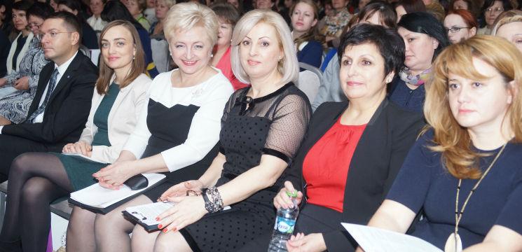 Foto: Forumul anual al femeilor a adunat peste 500 de femei din Moldova