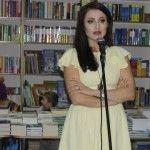 Foto: Stela Popa a plâns la lansarea propriei cărți!