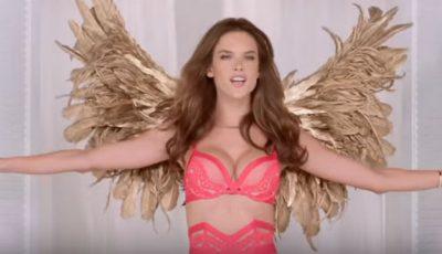 Îngerașii de la Victoria's Secret ne colindă!