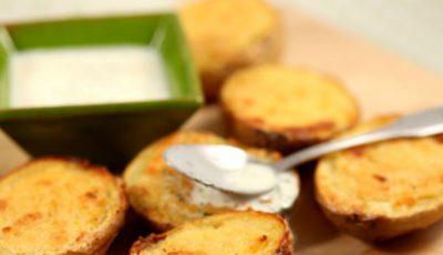 Cartofi umpluți cu brânză