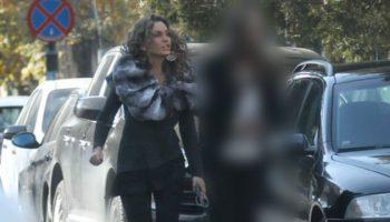 Anna Lesko e păzită de o femeie-bodyguard!