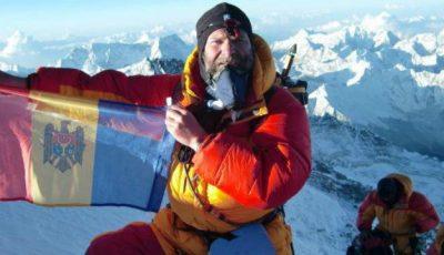 """Un moldovean a cucerit Everestul: """"Doi dintre colegii mei de expediție au murit acolo"""""""