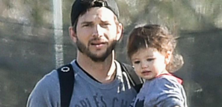 Foto: Cele mai simpatice fotografii tată-fiică! Ashton Kutcher și fiica sa, distracție în parc!