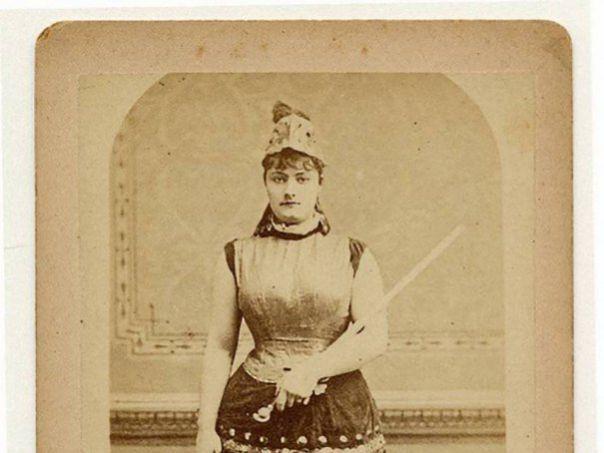 emma-burgess-1890