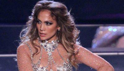Jenant! Lui Jennifer Lopez i s-au rupt pantalonii în fund!