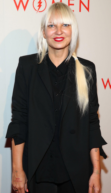 Cum arată Sia fără perucă 2