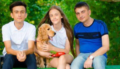 """Veaceslav Balacci: """"Gătesc borş roşu mai bine decât soţia, aşa spun copiii"""""""