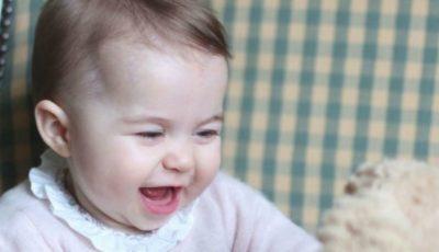 Prințesa Charlotte va avea propriul ruj, la niciun an!