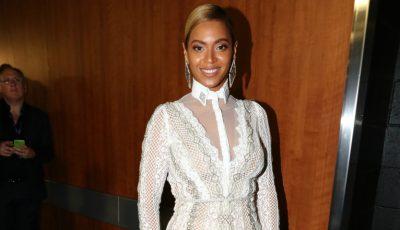 Beyonce a purtat o rochie de mireasă la premiile Grammy!