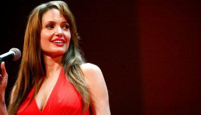 Angelina Jolie recunoaște că nu și-a dorit copii!
