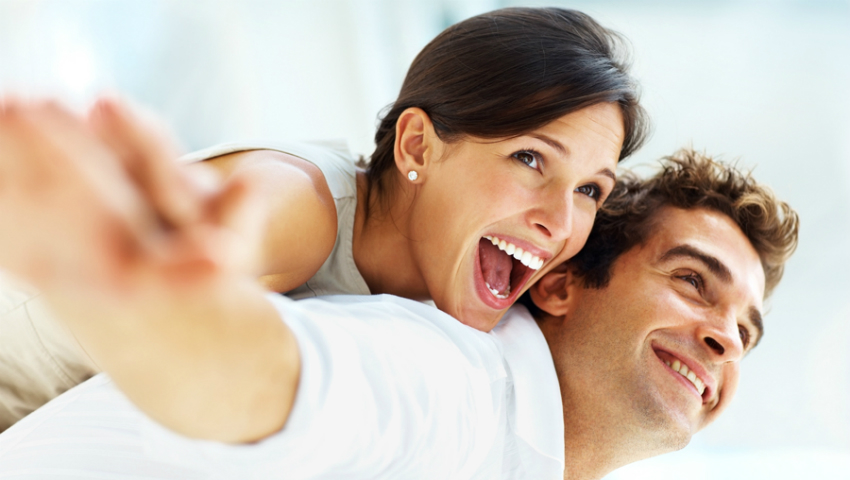 Foto: Dacă trăiesc împreună, oamenii încep să semene!