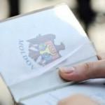 Foto: Am nevoie de acordul fostului soț pentru a-i face pașaport copilului, dar el refuză să semneze. Ce pot face?