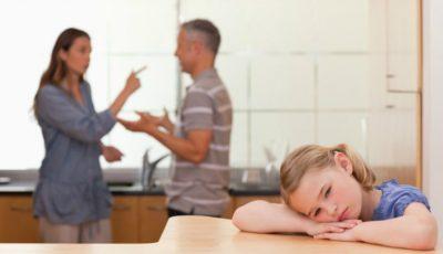 Cum pot să-l dezic pe fostul soț de drepturile părintești dacă acesta nu contribuie la întreținerea copilului?