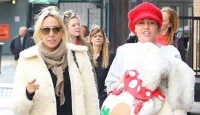 Miley Cyrus, cu sânii goi la cumpărături!