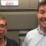 """Foto: Un ostatic din avionul egiptean și-a făcut selfie cu """"atacatorul"""""""