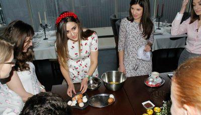 Bloggerițele Dream Team, testate la gătit cozonaci de Paște!