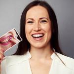 Foto: Metoda naturală care îți albește dinții și îi scapă de tartru!