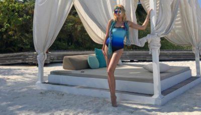 Iana Rudkovskaia își etalează silueta pe plajele din Maldive!