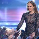Foto: Jennifer Lopez, într-o rochie total transparentă!