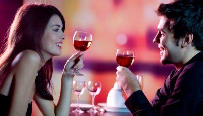 Îți oferim o cină romantică în doi!