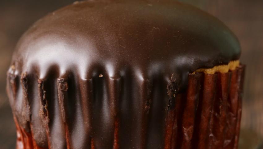 Foto: Brioșe din ciocolată fără făină și zahăr
