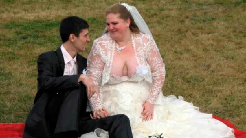 Foto: Mirele era fericit că se însoară. Când i-a văzut rochia, a fugit de la nuntă