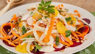 Alimentul care nu trebuie să-ţi lipsească din salată, elimină toxinele şi regenerează ficatul!