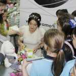 """Foto: De ziua fiului ei, Stela Popa a lansat cartea """"Semincioara Fermecată"""""""