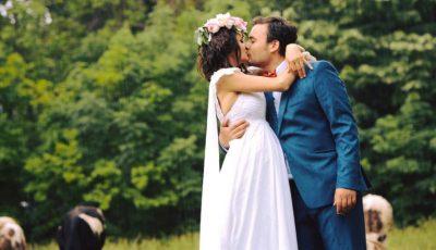 Lilu și Călin Roșca sărbătoresc nunta de piele!