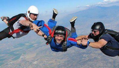 Dan Bălan a sărit pentru prima dată cu parașuta!