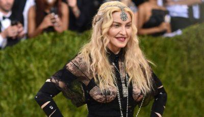 Madonna a mimat sexul oral!