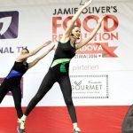 """Foto: Instructorii Unica Sport promovează modul sănătos de viață. Au făcut mișcare la """"Food Revolution Day""""  și la """"Bucurie în Mișcare"""""""